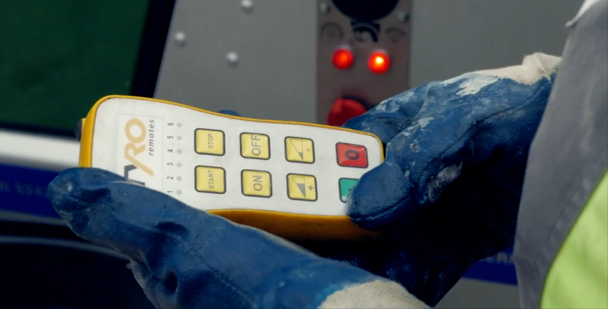 Work gloves concrete pump remote control
